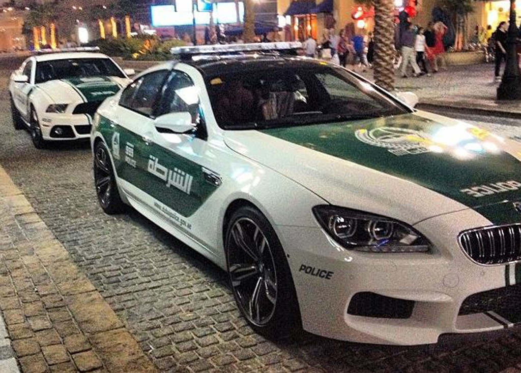 BMW M6 Gran Coupe and Ford Mustang police cars - Image: Zero 2 Turbo