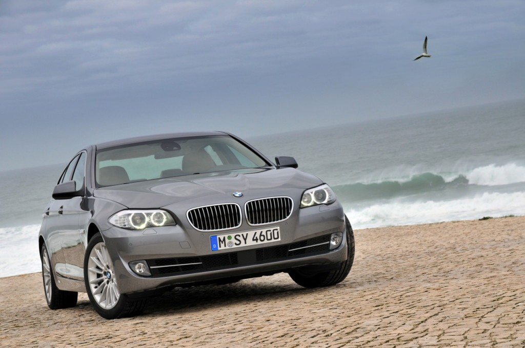 The FCG List: Top Safety Picks Among 2011 Luxury Large Cars
