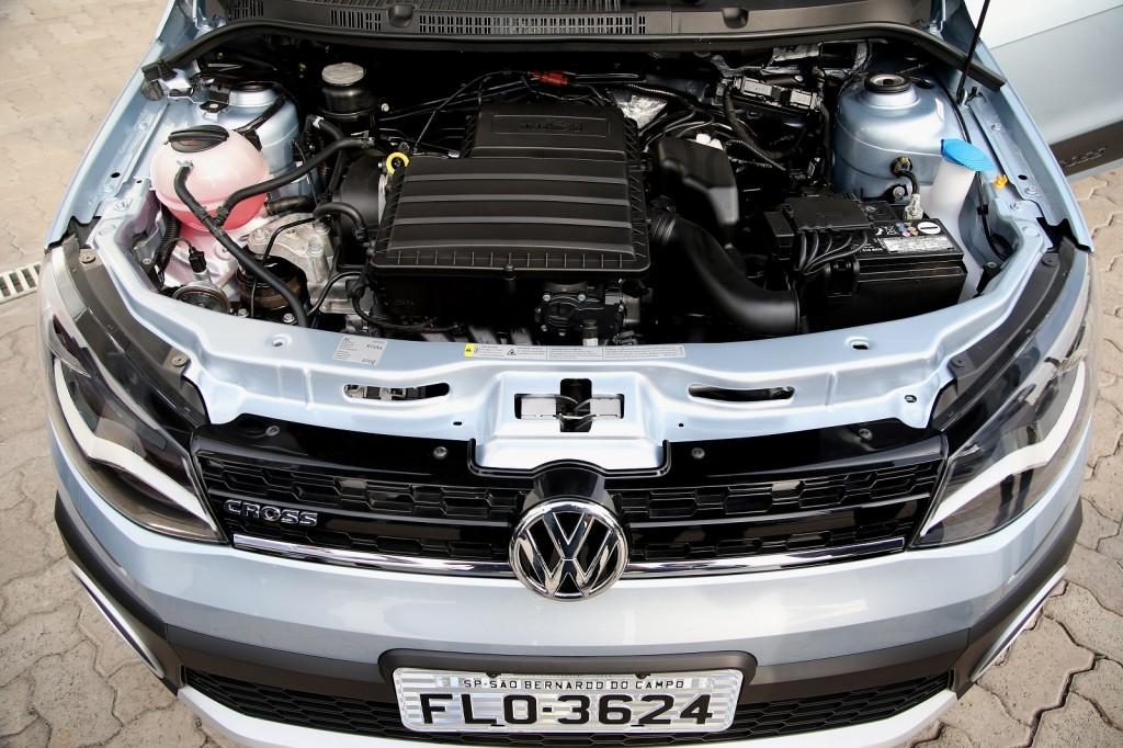 image engine compartment of volkswagen saveiro brazilian flex fuel vehicle size 1024 x 682. Black Bedroom Furniture Sets. Home Design Ideas