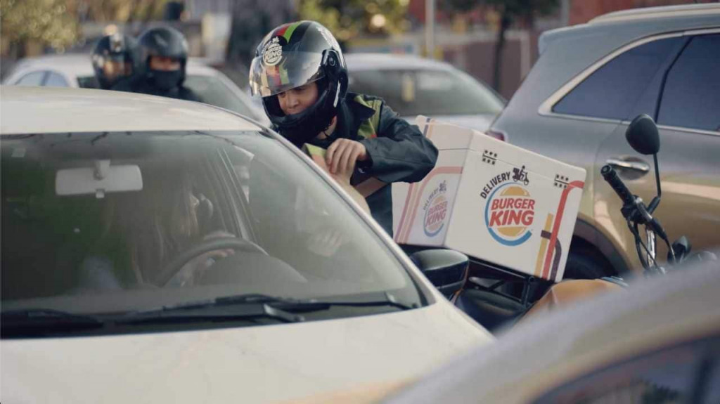 Burger King in-traffic delivery in Mexico