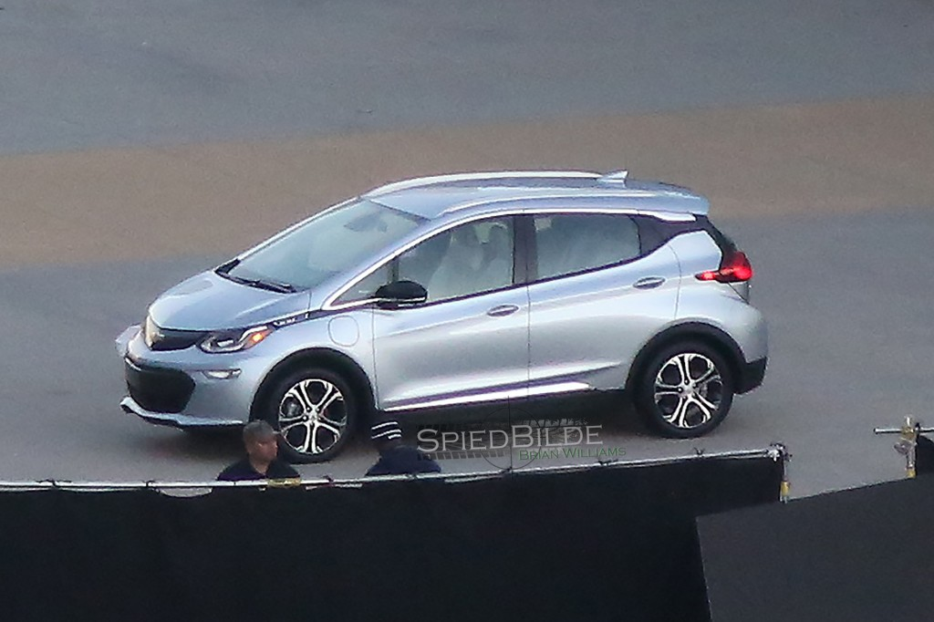 2017 Chevrolet Bolt Ev Production Car Spied Before 2016 Ces Reveal