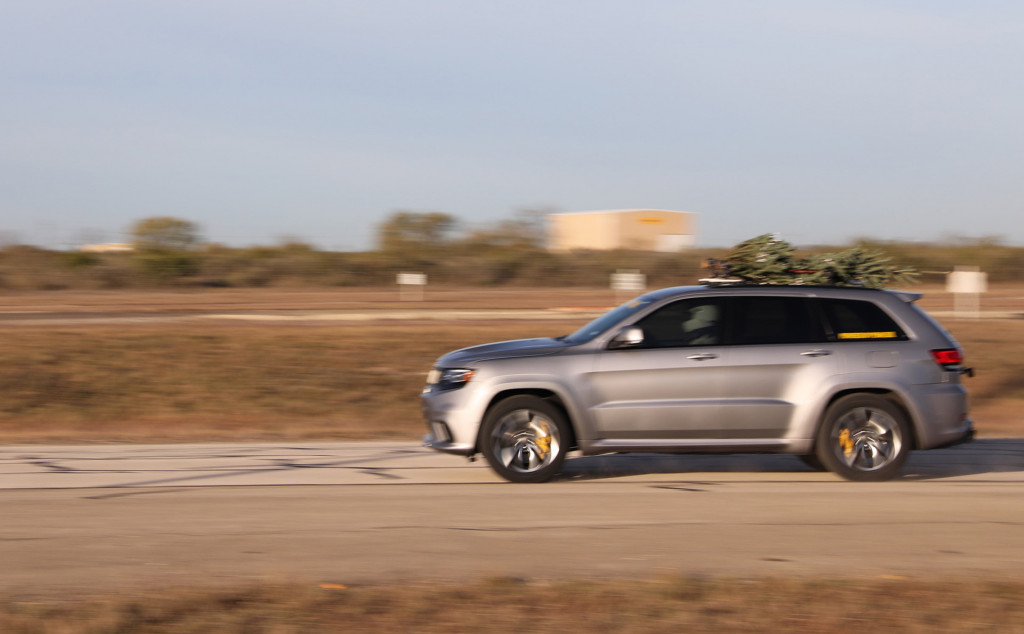 Christmas tree reaches 181 mph strapped to a Hennessey-tuned Jeep Grand Cherokee Trackhawk