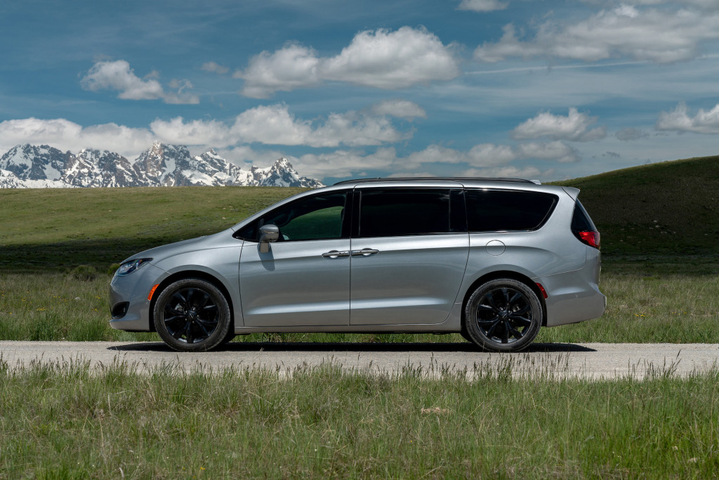 Review update: 2020 Chrysler Pacifica Hybrid makes family life easier
