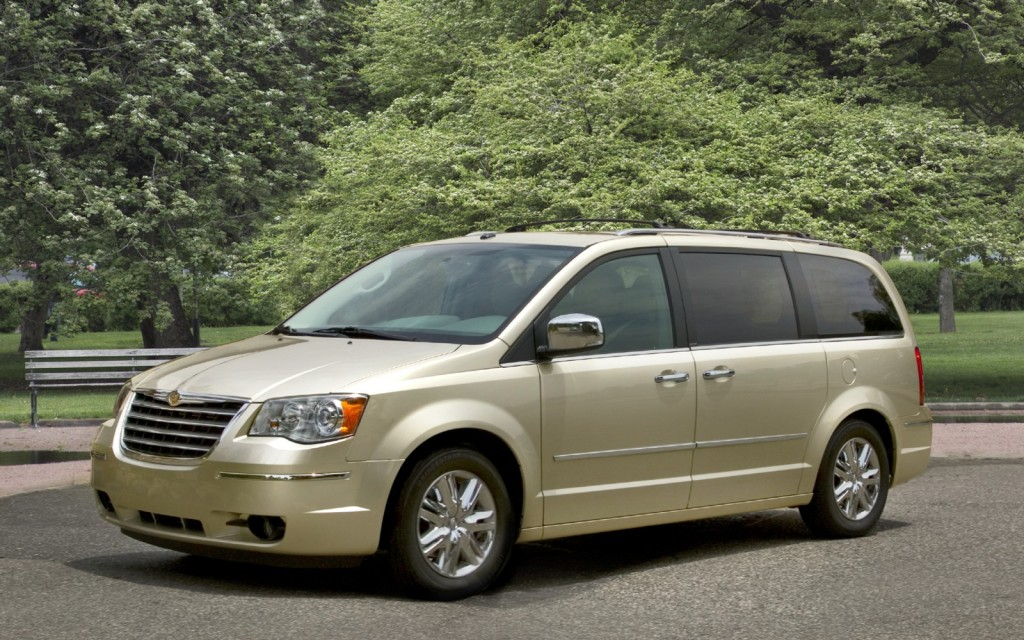 2010 Chrysler Town & Country Touring: His And Her Review