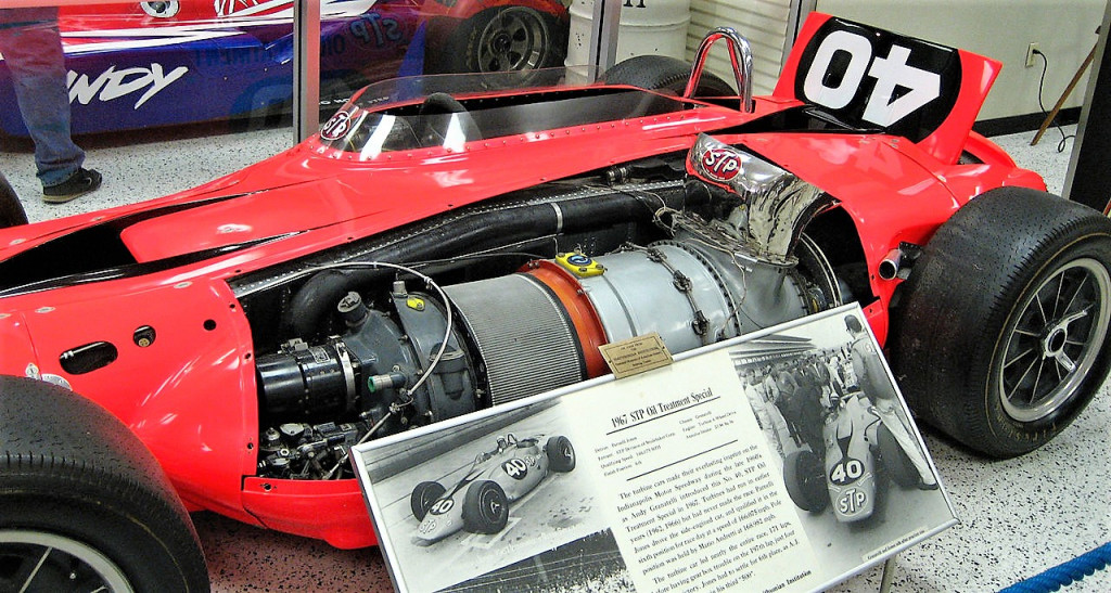 Could a turbocharged Ferrari V12 engine have fit in place of the turbine?