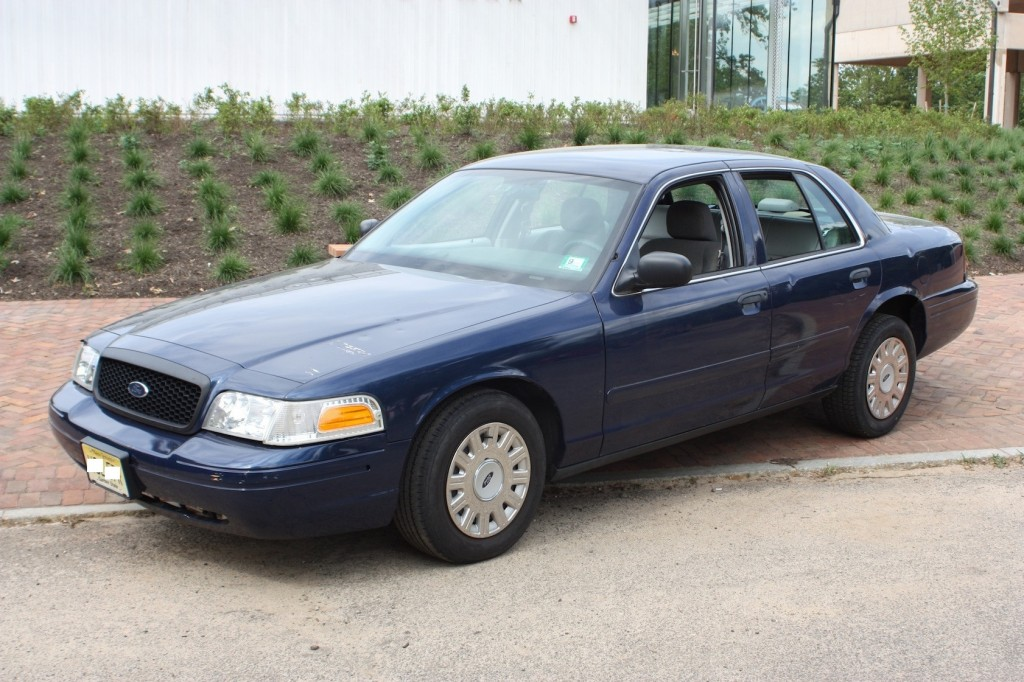 Ford Crown Victoria 2017 >> Sleeper Crown Vic Sure To Give Other Motorists Nightmares