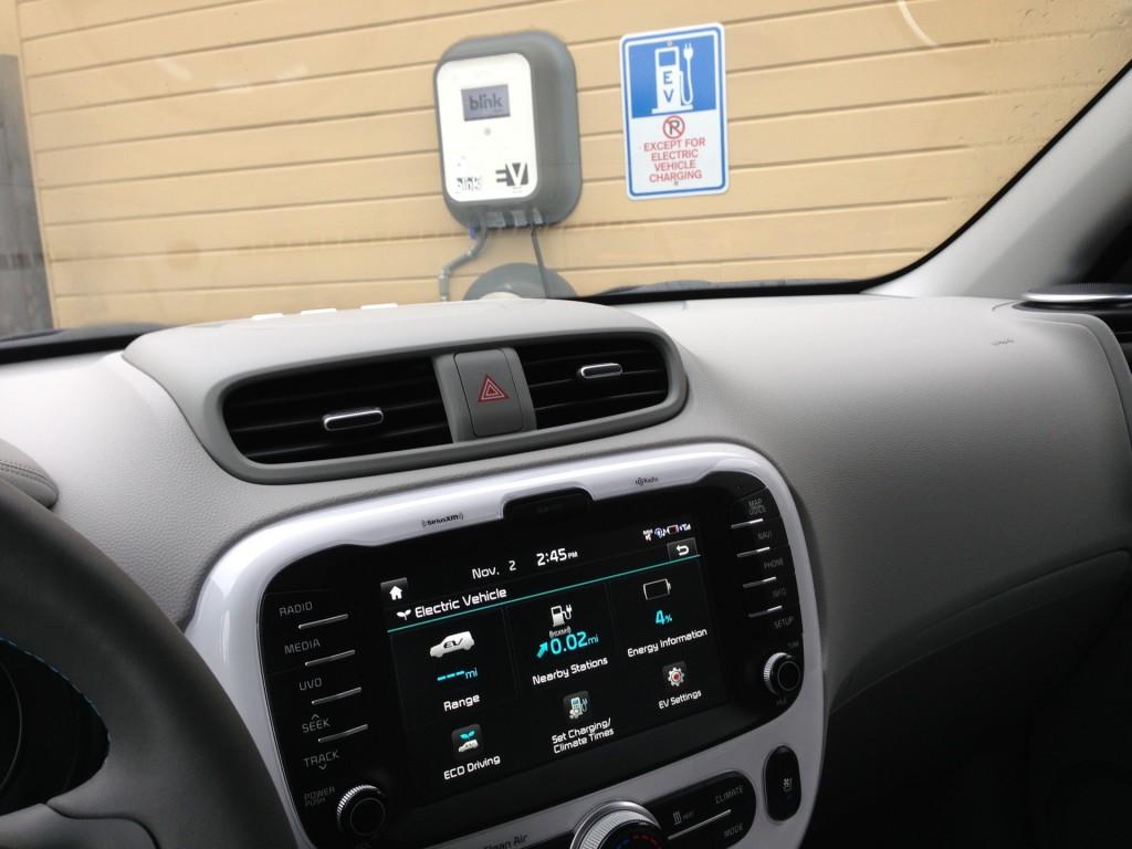 charging 2015 Kia Soul EV