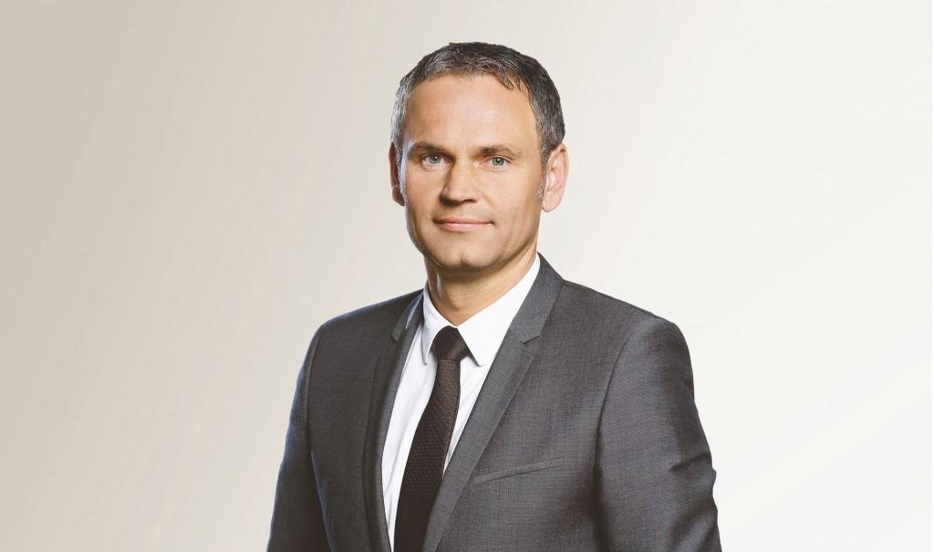 Dr. Oliver Blume