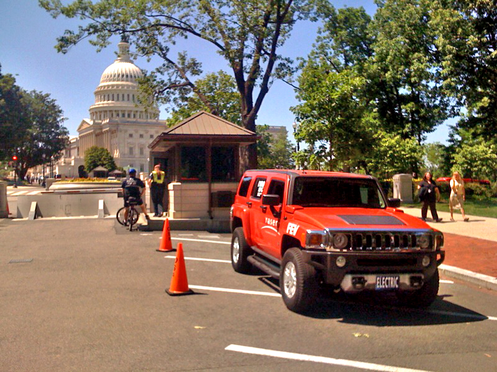 Electric 2009 HUMMER H3 by Raser Technologies and FEV
