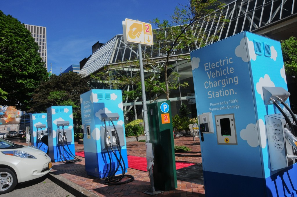 Image Electric Avenue Charging Stations In Portland Oregon Photo Portland General Electric