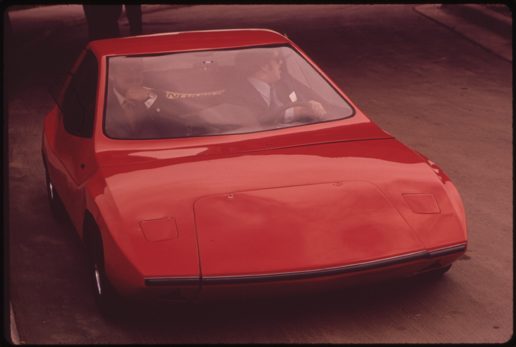 ESB Sundancer experimental electric car, test drive, Ann Arbor, Michigan, Oct 1973 [Frank Lodge]