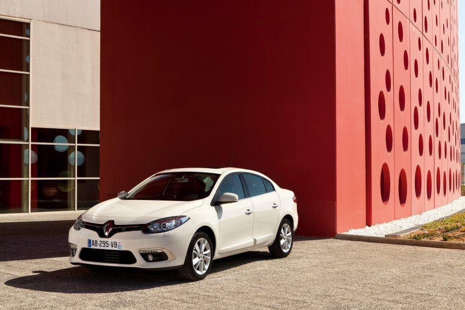 Facelifted 2013 Renault Fluence electric sedan