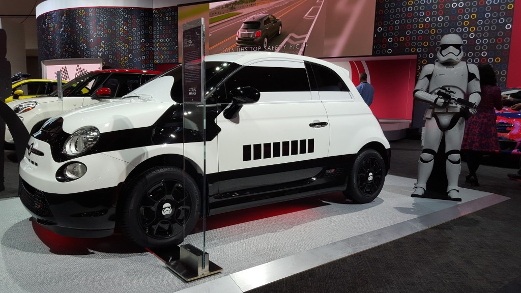 image fiat 500e 39 stormtrooper 39 custom electric car shown at 2015 los angeles auto show size. Black Bedroom Furniture Sets. Home Design Ideas