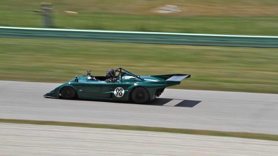 CEO Ford Jim Farley mengendarai Lola T298 1978 miliknya