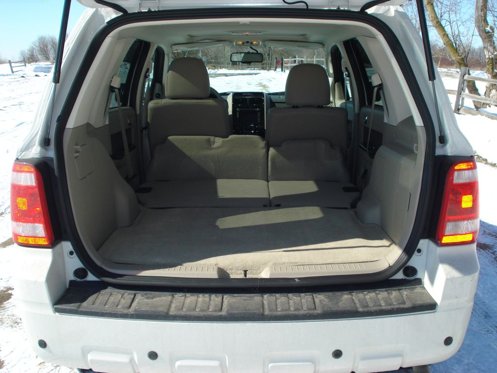 Image Ford Escape Hybrid Cargo Space size 1024 x 768