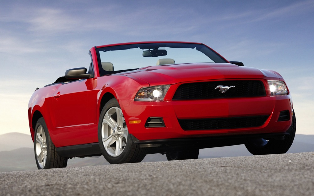 2010 ford mustang pricing starts under 21 000 with 26 mpg. Black Bedroom Furniture Sets. Home Design Ideas