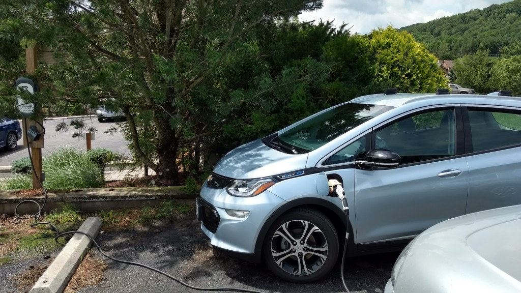 Free Level 2 charging for Chevy Bolt EV at Lake Pointe Inn, McHenry, Maryland  [image: Brian Ro]