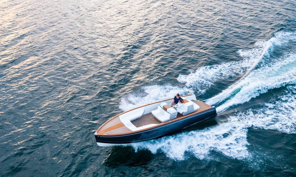Even luxury launches can go all-electric; Hinckley shows how