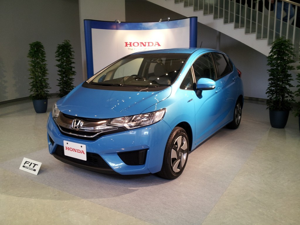 Honda Fit Hybrid (Japanese domestic model), Honda Proving Grounds, Tochigi, Japan, Nov 2013