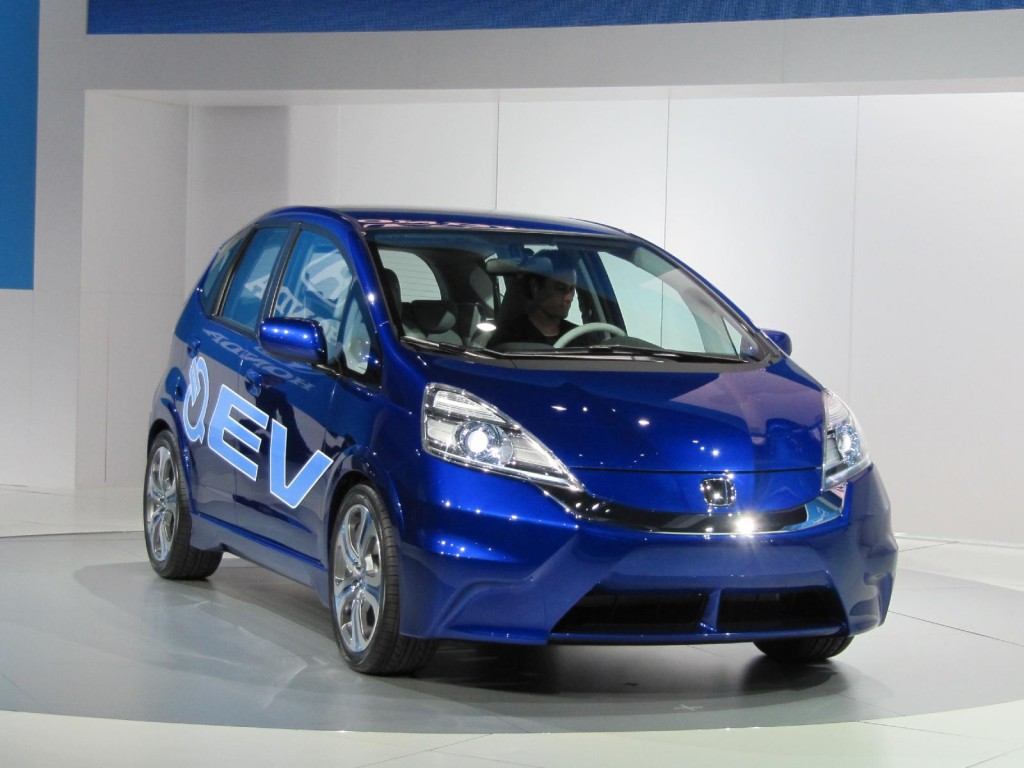 Honda honda fit ev range : 2010 LA Auto Show: 2012 Honda Fit Electric Car, World Debut
