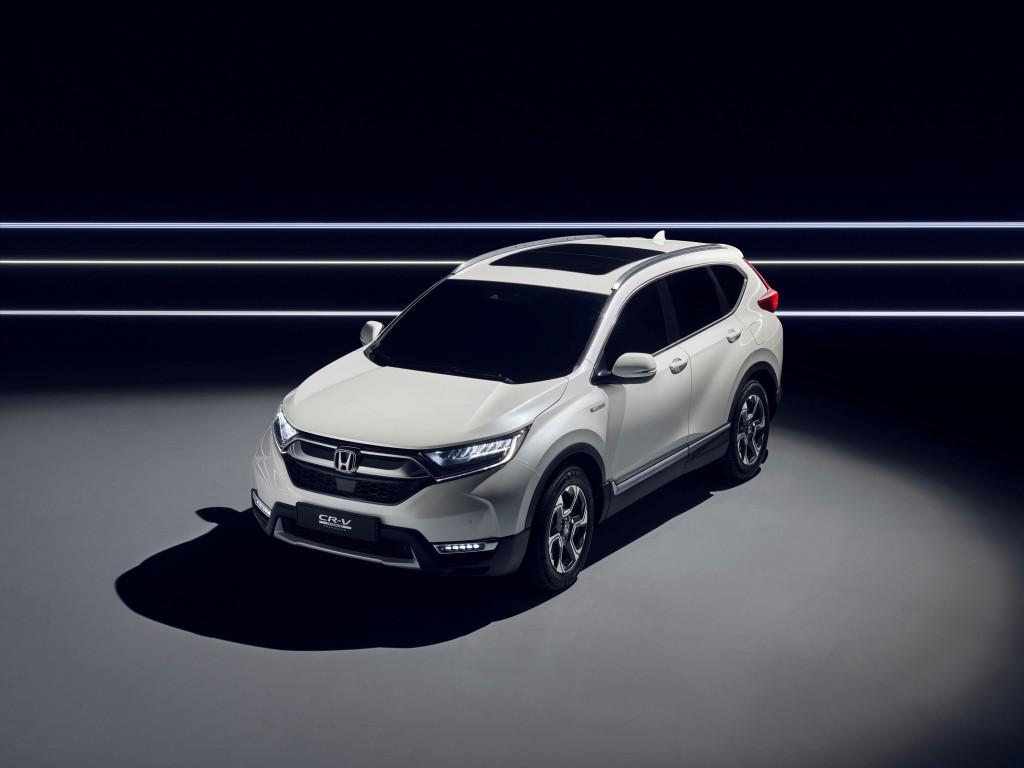 Honda CR-V Hybrid prototype goes green(er)