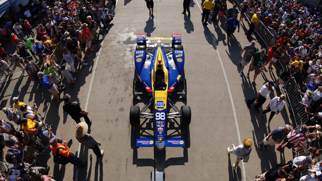 Honda IndyCar that won 100th Indy 500 heads to auction