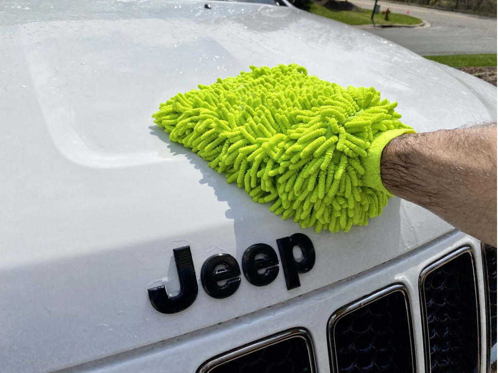How to wash a car like a pro