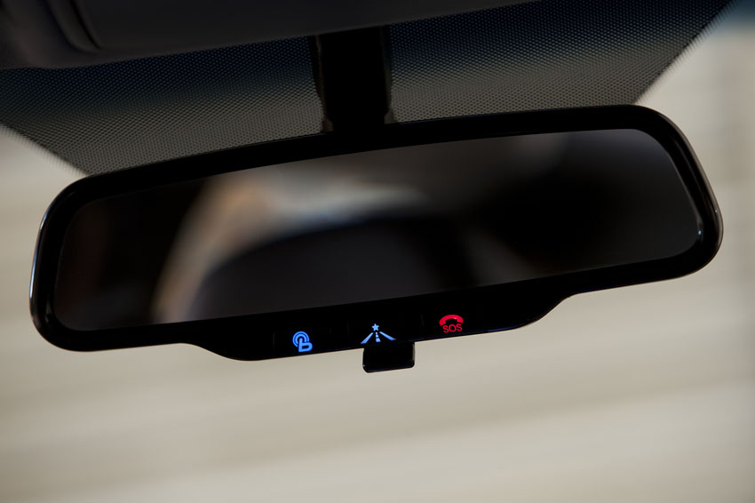 Hyundai Blue Link rear-view mirror