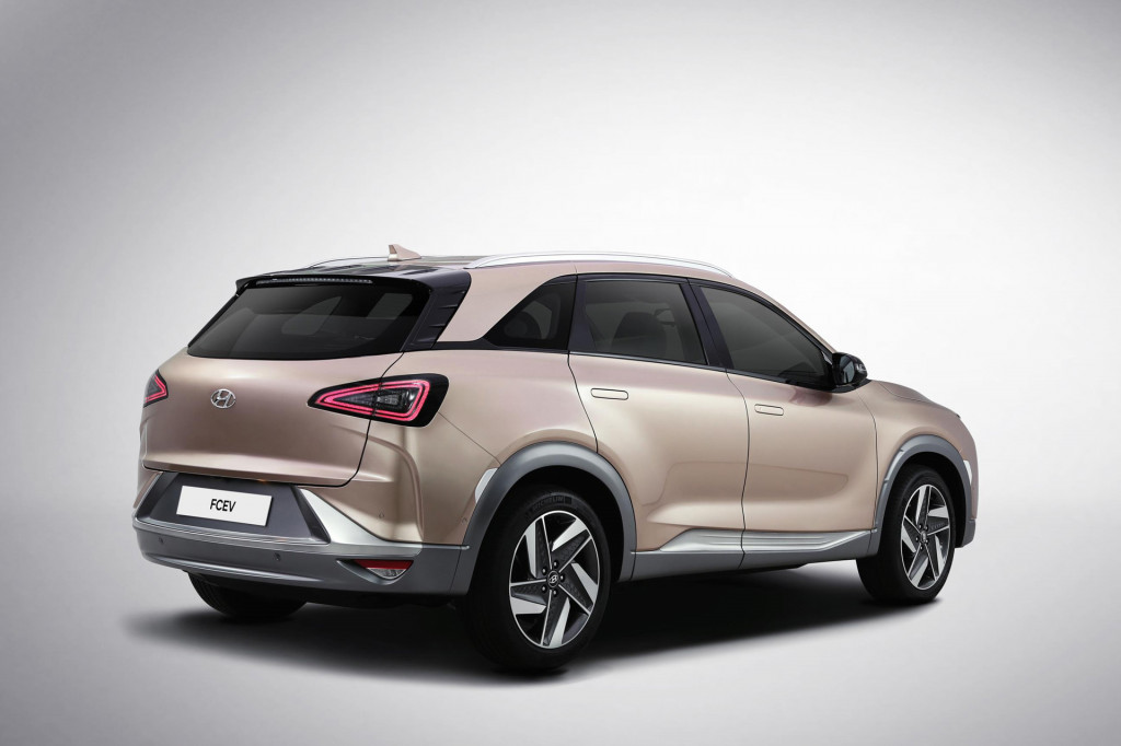 Hyundai gives first look at new fuel cell-powered SUV