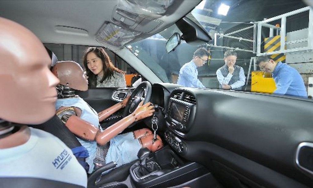 Hyundai's new airbag system aims to protect in secondary collisions