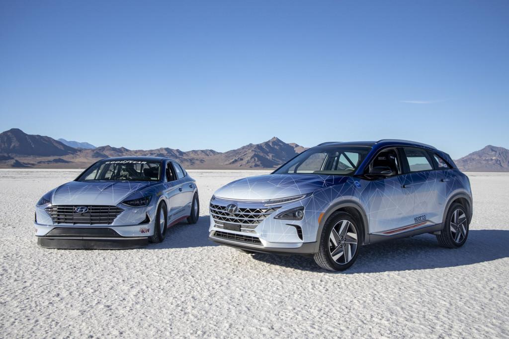 Hyundai engineers aim high with green cars at Bonneville