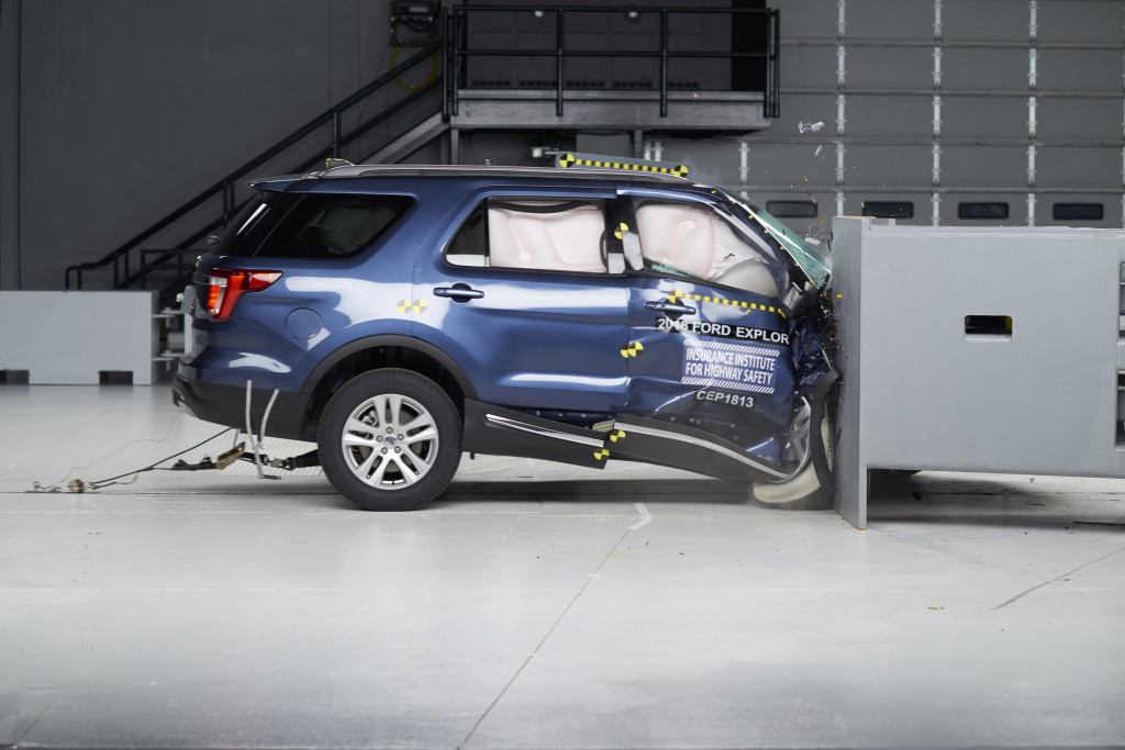 IIHS passenger-side small-overlap crash test of 2018 Ford Explorer