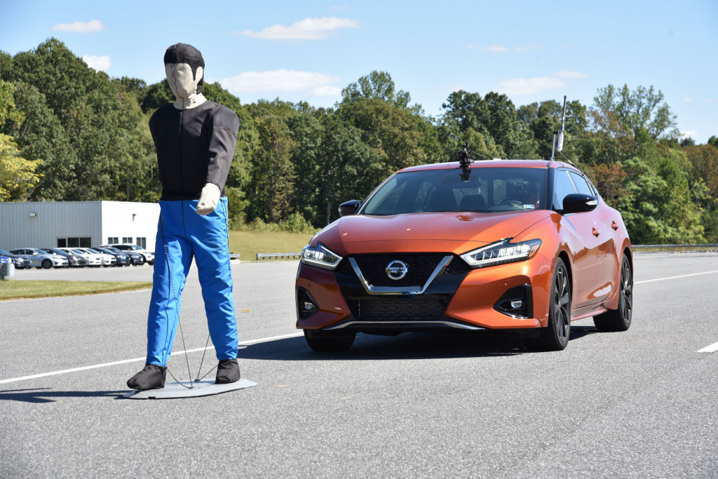 IIHS tests pedestrian detection in 2020 Nissan Maxima