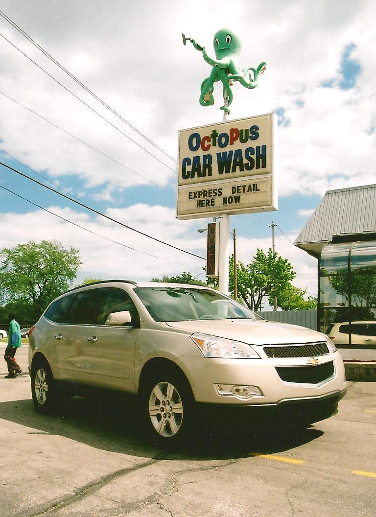 2010 Chevrolet Traverse Review Eight is Enough