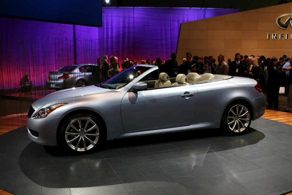 2009 infiniti g37 convertible live from l a. Black Bedroom Furniture Sets. Home Design Ideas