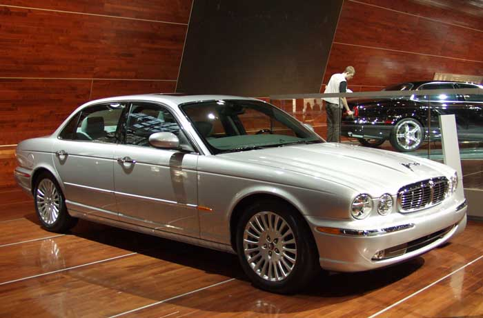 image jaguar xj8 lwb 2004 new york auto show size 700 x 461 type gif posted on december. Black Bedroom Furniture Sets. Home Design Ideas