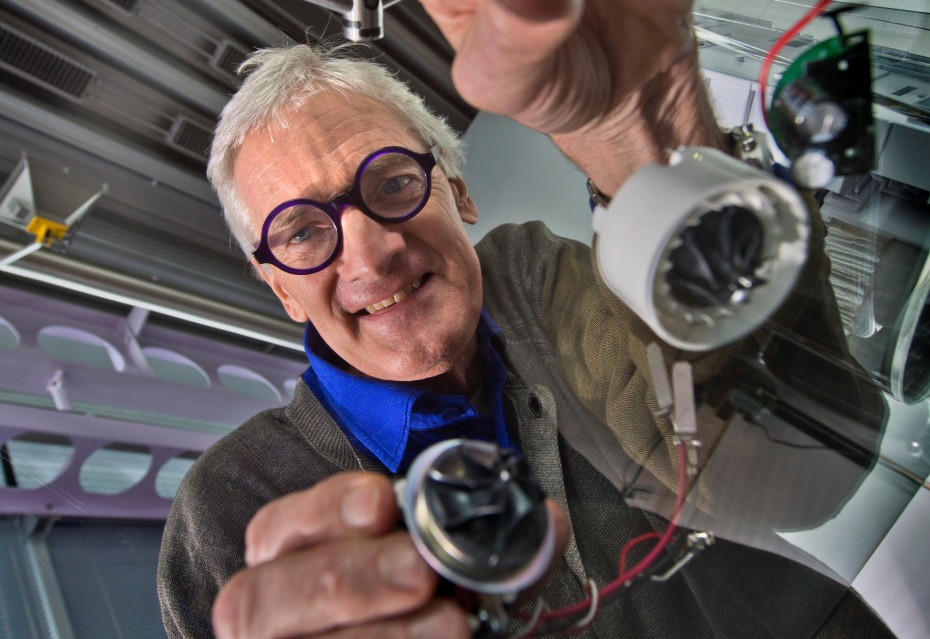 James Dyson with digital motors  [image: Dyson]