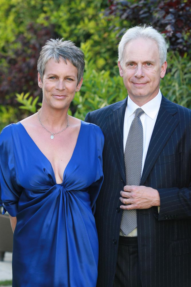 Jamie lee curtis among first honda fuel cell owners for Jamie lee curtis husband christopher guest