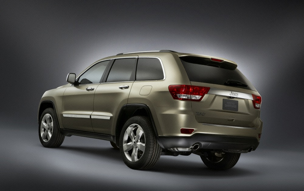 2011 jeep grand cherokee works for its 39 trail rated 39 badge. Black Bedroom Furniture Sets. Home Design Ideas