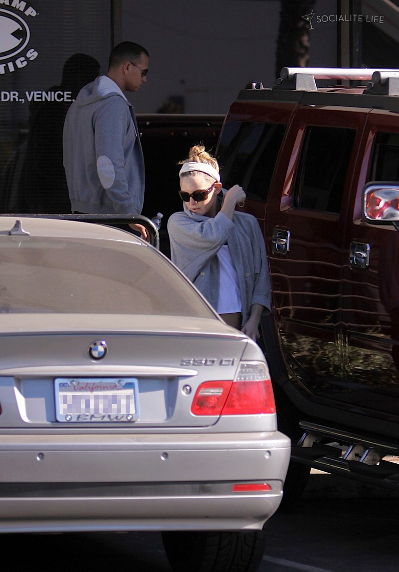 Kate Hudson Amp Alex Rodriguez Roll To The Gym In A Bmw 330ci