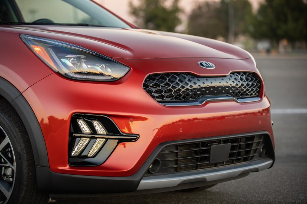 2020 Kia Niro: 50-mpg hybrid gets upgraded interface, sharper look