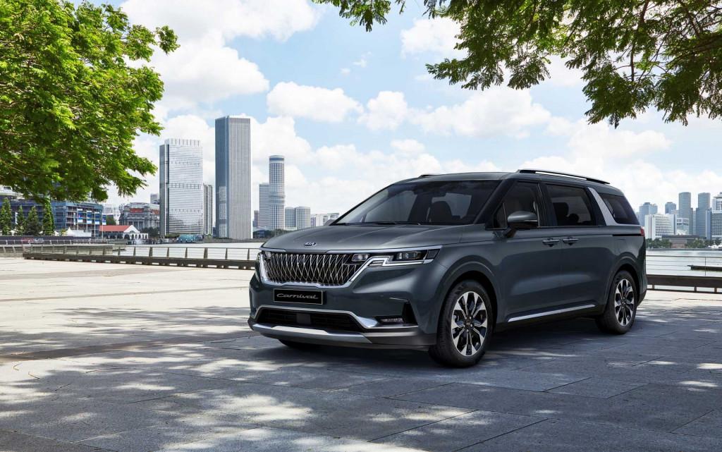 2022 Kia Sedona first look: Family minivan meets SUV style