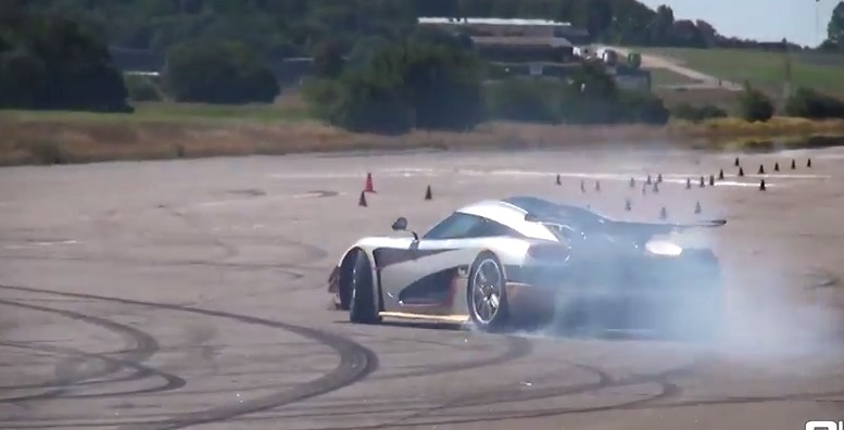 Koenigsegg One:1 Up Close And Personal Action: Video