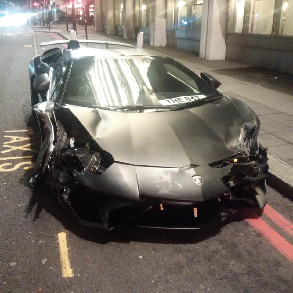 Lamborghini Aventador SV crashes in London
