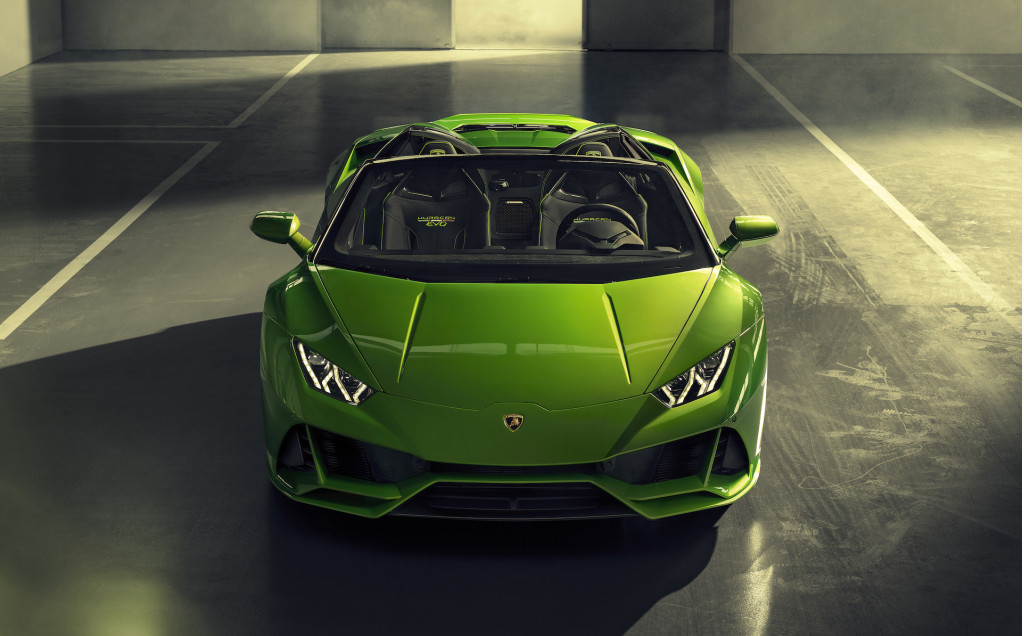 Lamborghini Huracan beats Gallardo's sales record in only 5 years