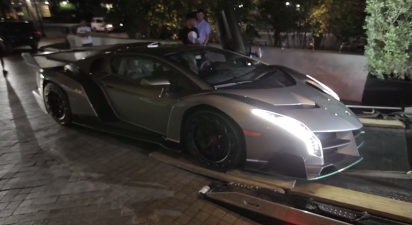 How A Lamborghini Veneno Gets Delivered To Its New Owner ...