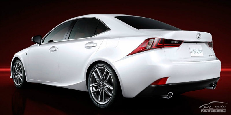 Leaked images of the 2014 Lexus IS in F Sport trim