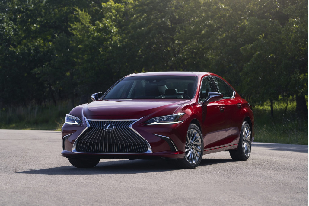 2021 Lexus ES sedans add all-wheel drive, sporty Black Line trim
