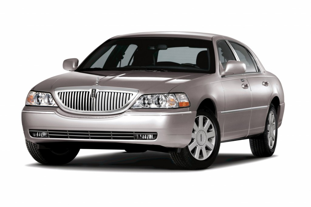 2010 Lincoln Town Car Review Ratings Specs Prices And Photos