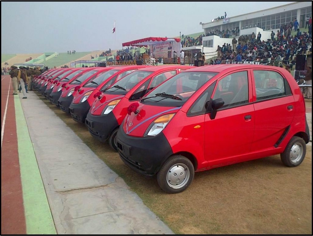 Line of Tata Nanos (Image: Tata Nano Facebook page)